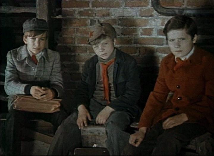 знать всем кортик фильм 1955 актеры того